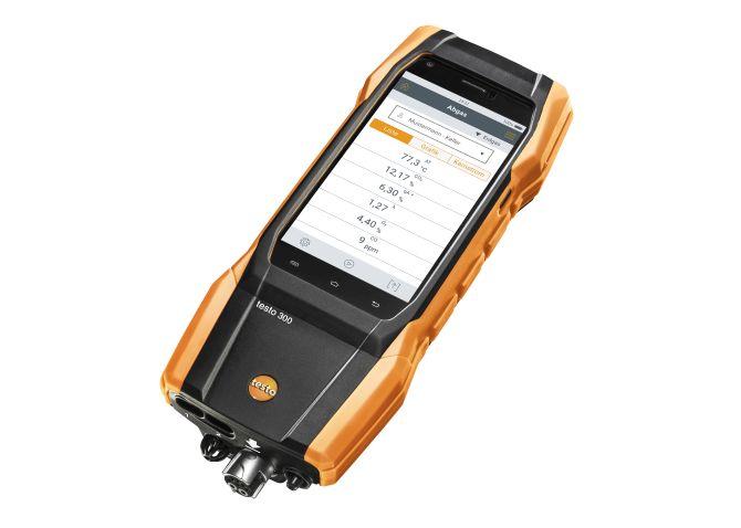 testo 300 Abgasmessgerät (O2, CO H2-kompensiert bis 30.000 ppm, NO nachrüstbar) mit Smart-Touch-Technologie und Qualitäts-Sensorik mit bis zu 6 Jahren Lebensdauer.